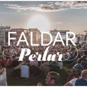 Faldar perlur  - vefsíða/app til að endurnýja fataskápinn
